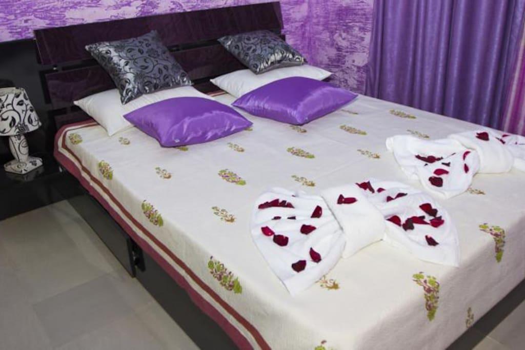 chambre avec vrai lit 2 personnes