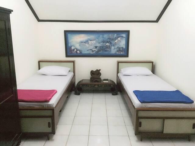 Twin room @roemah.apel Bandung