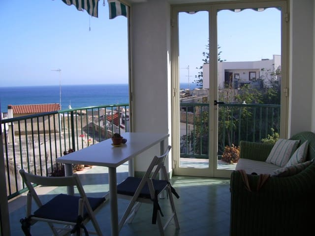 La finestra sul mare, luce, confort e relax - Marinella - Huoneisto