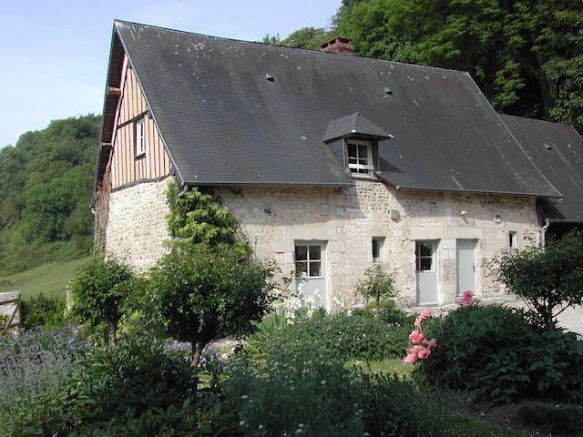 maison dans  parc Manoir desrocques - Villequier - Ház