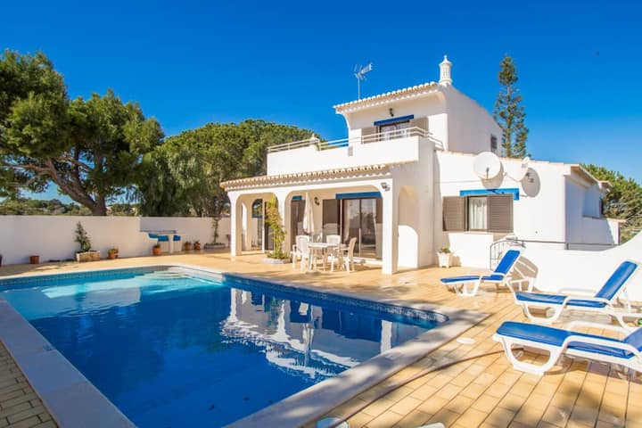 Casa Prensa - 3 Bed Villa With Pool, 5 Min Drive from Carvoeiro & Beaches