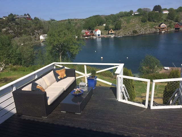 Nicely situated house by the sea - Haugesund - Villa