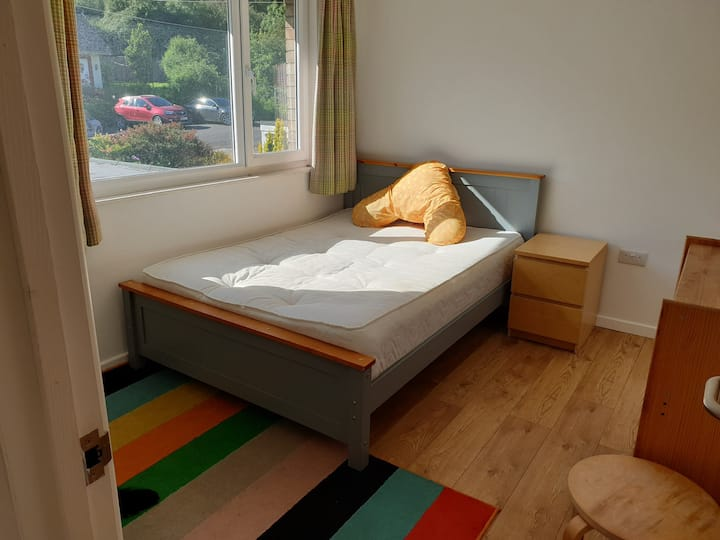 Lovely, Bright Room in Bedminster