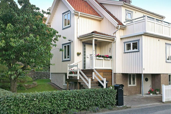 4 star holiday home in Skärhamn