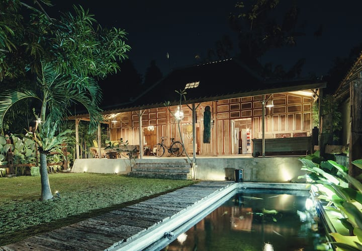 Authentic Javanese House in the Heart of the City
