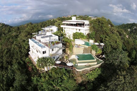 Luxury in Paradise - Manuel Antonio - Bed & Breakfast
