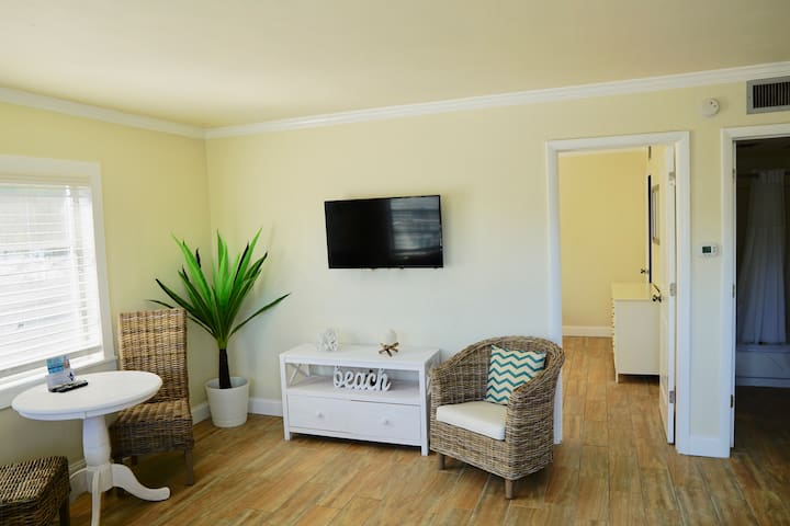Molloy Gulf-View Suite 2 Full