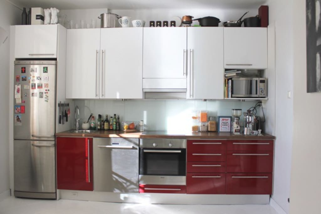 The kitchen is fully equipped if you wish to prepare your own meals.