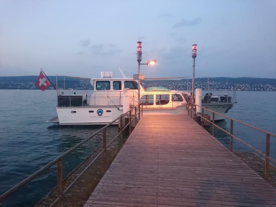 Mooring at a pier