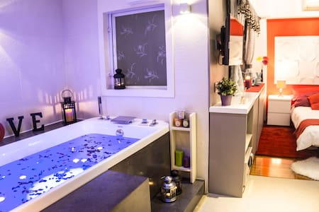 ❤Romantic Studio with Hot Tub Spa - Apartment