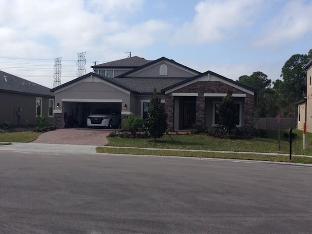 NEW HOME-CENTRAL LOCATION- 4BD/4BA - Oldsmar - House