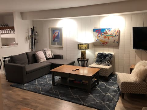 PRESIDENTS!! Renovated 1BR+Bunks Close to Eagle