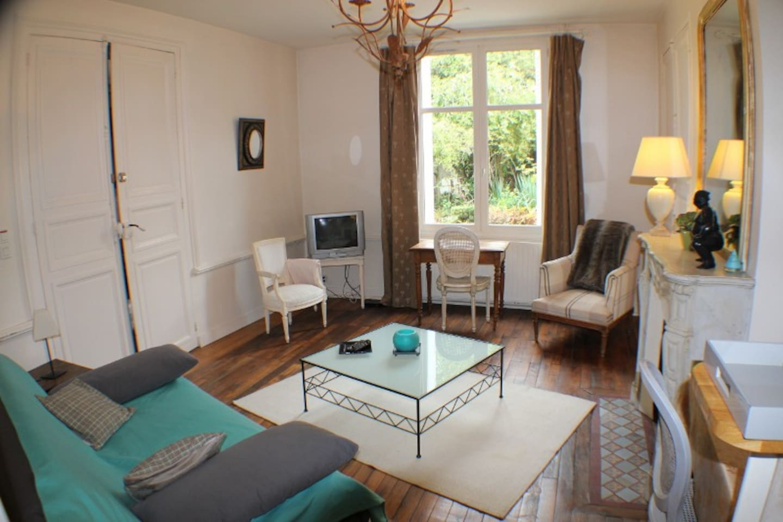 studio indépendant avec vue sur jardin