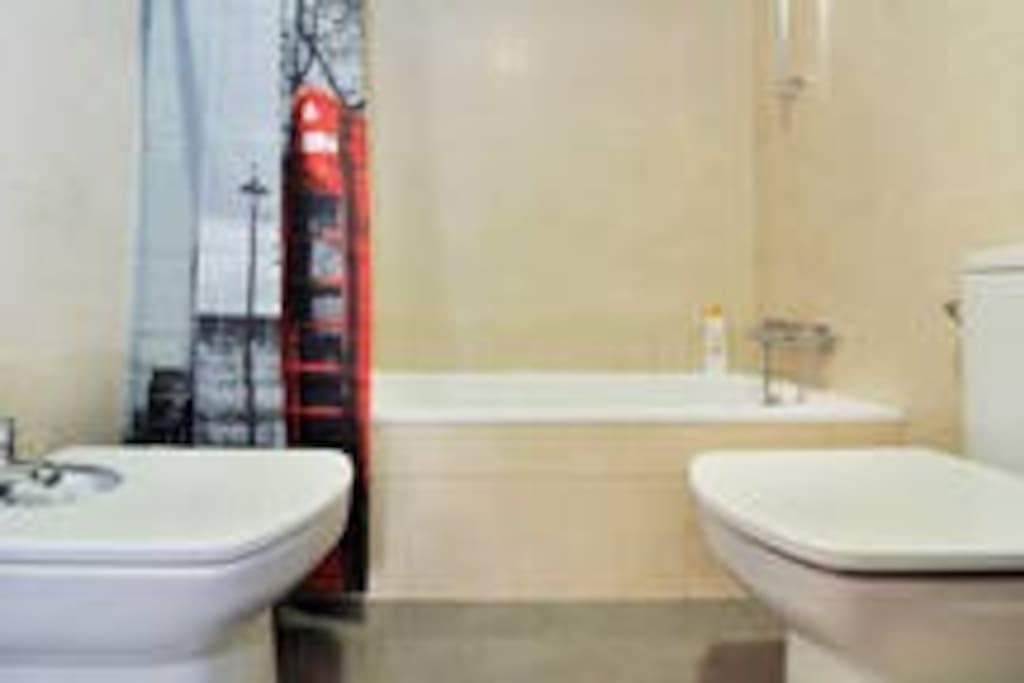 The bathroom (2).