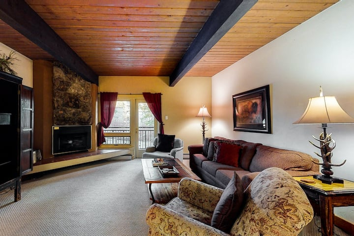 Ski-in/ski-out condo w/ a shared, outdoor hot tub, free WiFi, & a gas fireplace