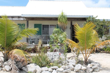 Beautiful 3 BR cottage - providenciales, turks and caicos