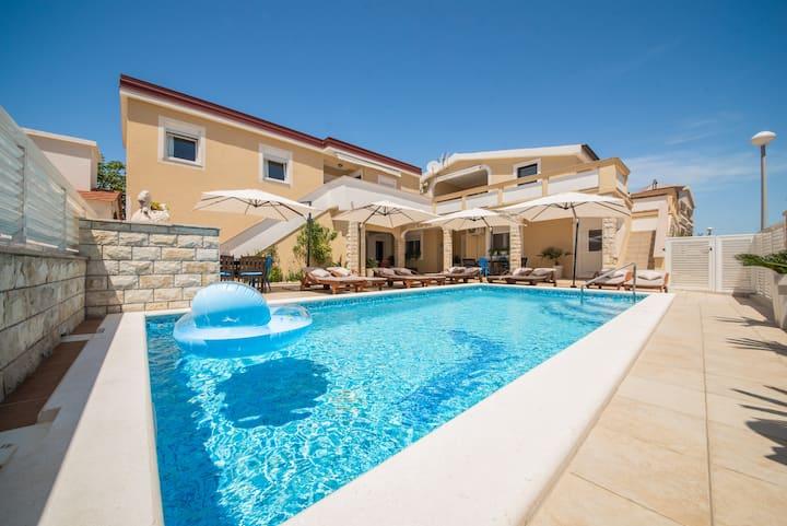 Villa Karmen - Poolhouse 7