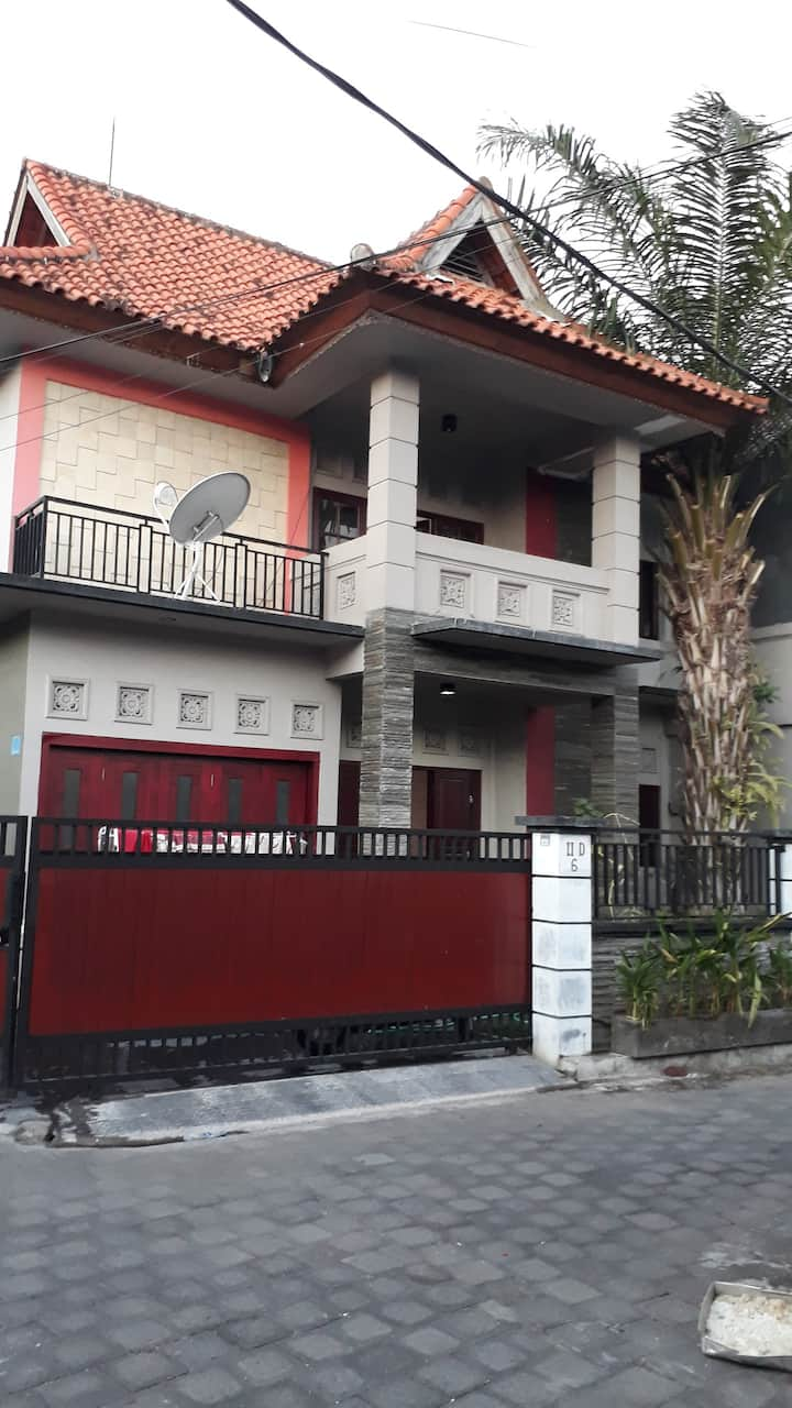 Daily Rent Comfortable Homestay in Denpasar