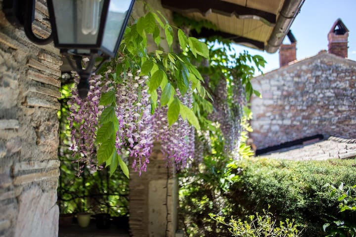 Umbria Spoleto messenano's Castle - Messenano - 단독주택