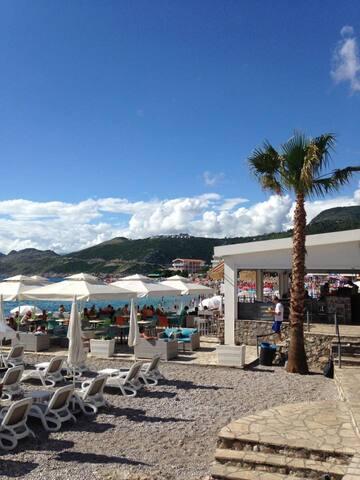 Sommaridyll vid Medelhavet - Dobra Voda - House