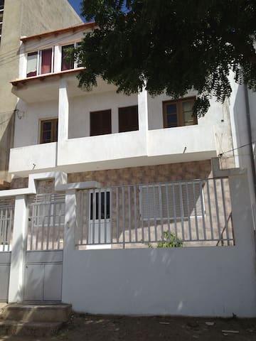 Apartamento Madeiralzinho: 4 rooms!