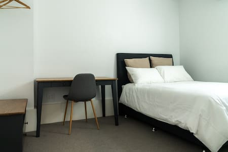 Private Room - McMahons Point 8