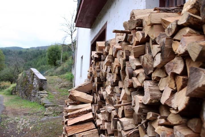 Caserio en el Goierri en plena naturaleza
