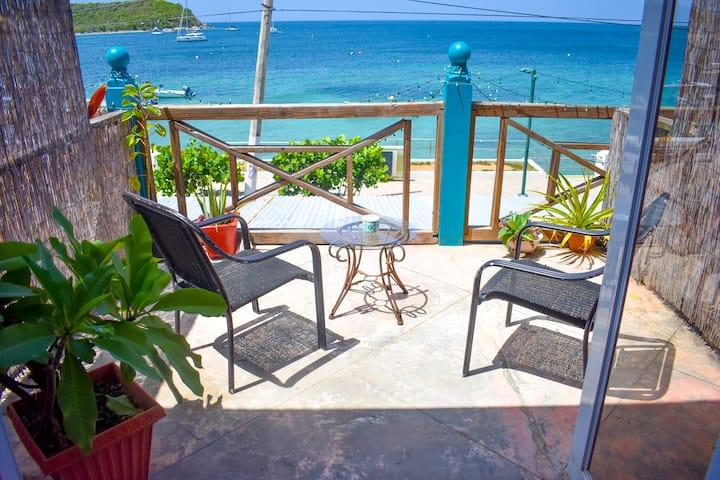 Flamboyan Guesthouse Ocean Front  Room #2