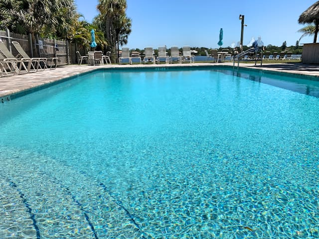 Beautiful Siesta Key Condo at Sea Club II