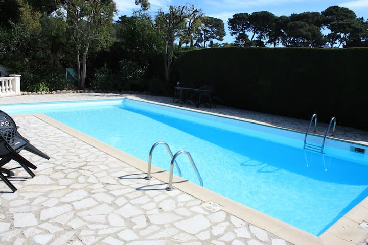 Stunning Cap d'Antibes Studio - Pool,Parking,View