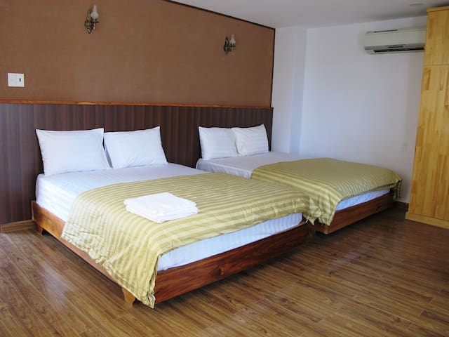 Funny House Deluxe Twin Room - tp. Nha Trang - Bed & Breakfast