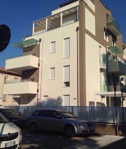Nuovo bilocale con terrazza - Rimini - Apartamento
