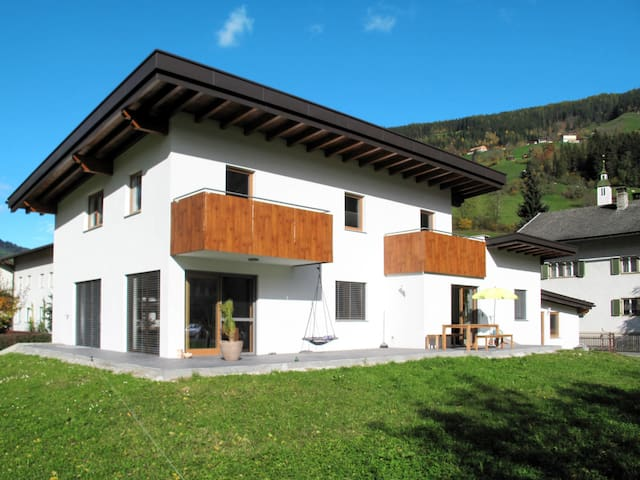 Holiday apt with beautiful panoramic views of the Ahorn and Penken