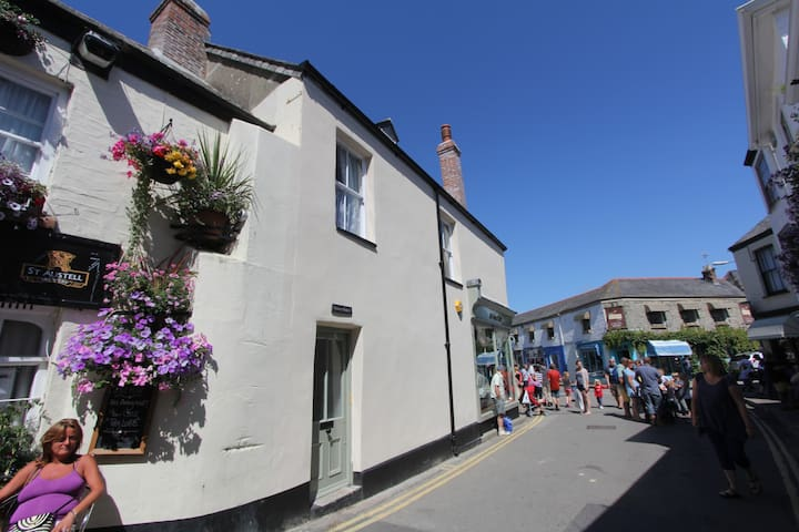 Grocer Johns Flat B in the heart of Padstow - Padstow - Apartment