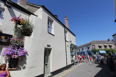 Grocer Johns Flat B in the heart of Padstow - Padstow - อพาร์ทเมนท์