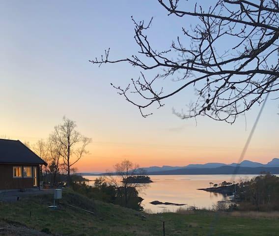 Hytte med unik utsikt på Svanøy