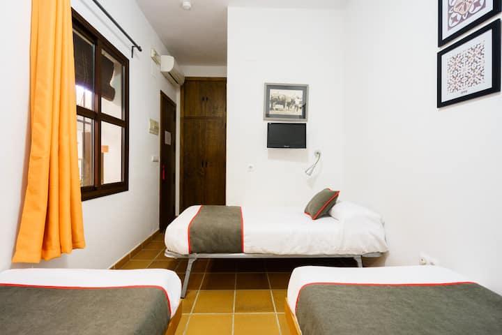 Triple Room In El Rocío Alojamiento Rural