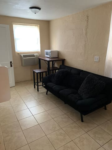 Summerville Stucco Studio 1 BR/1Bath