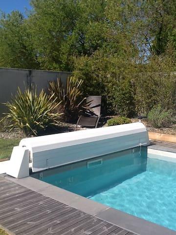 Maison familiale de charme avec piscine chauffée
