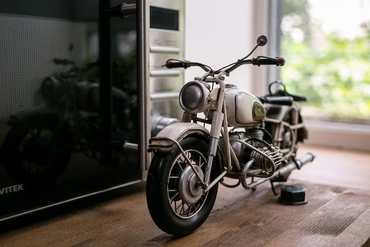 John Jillian's Apartment Motorcycle - Moskva - Loft