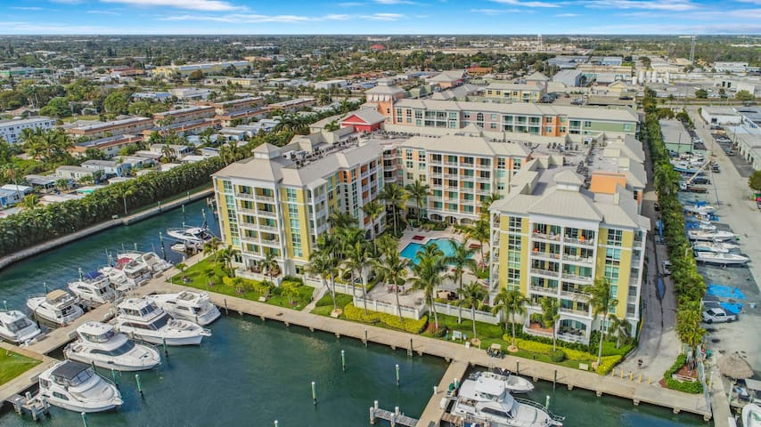 Resort Style Condo on the Intracoastal
