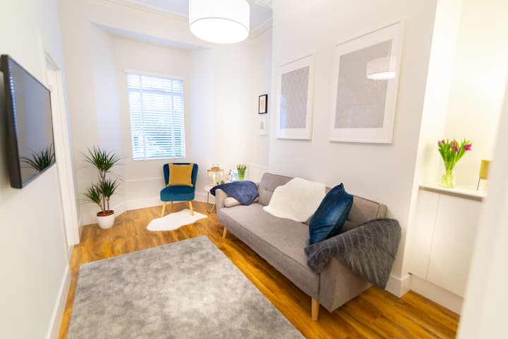 ⭐Central Plymouth Apartment-Parking-University⭐STRINGENT DEEP CLEANING & FLEXIBLE CANCELLATION