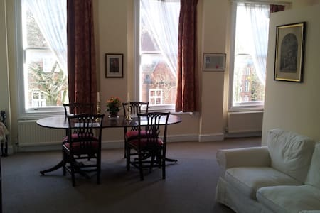 Single Room near South Kensington