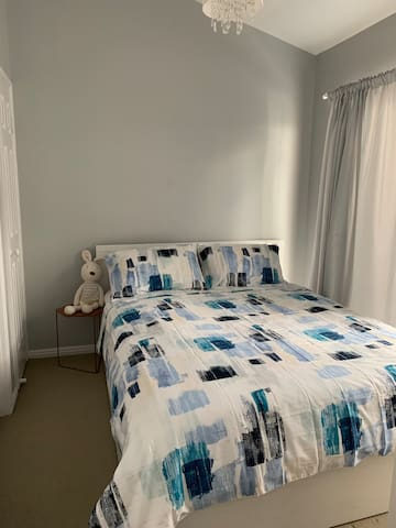 Close to CBD, Wesley Hospital,UQ en-suite Queenbed