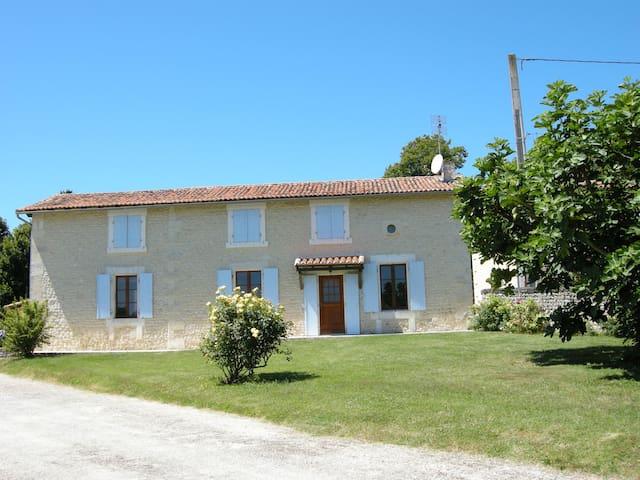 House with own pool, huge garden near Aubeterre