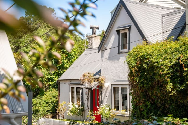 Ascot Cottage in heart of Wellington