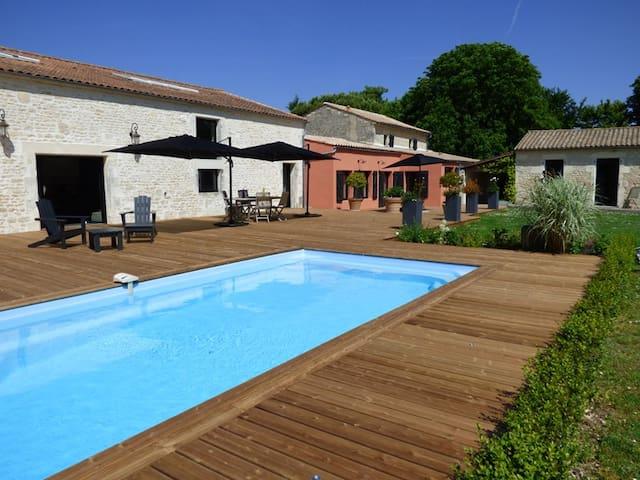 LA GRANGE D'AUNIS - Suite CAMPAGNE - Aigrefeuille-d'Aunis - Bed & Breakfast