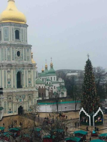 Софиевская 18, двухкомнатная квартира центр Киева