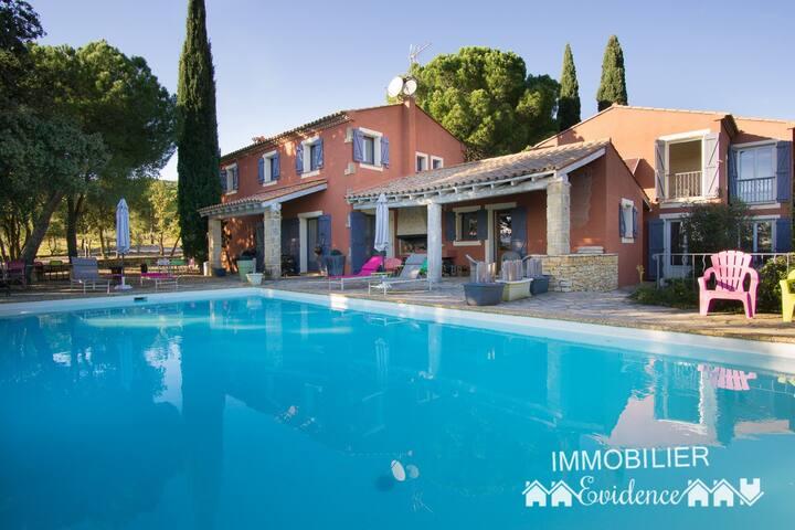 Exclusivité grande maison 6p avec piscine, jacuzzi