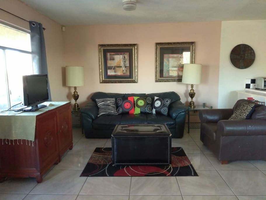 Casual Elegance describes this 1100 sq. ft.  Condo with beautiful tile flooring throughout and well appointed furnishings and decor.